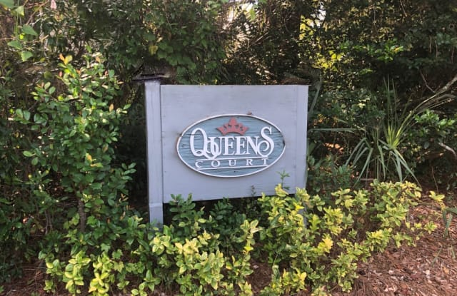 319 B Queens Court - 319 Queens Ct, Mount Pleasant, SC 29464
