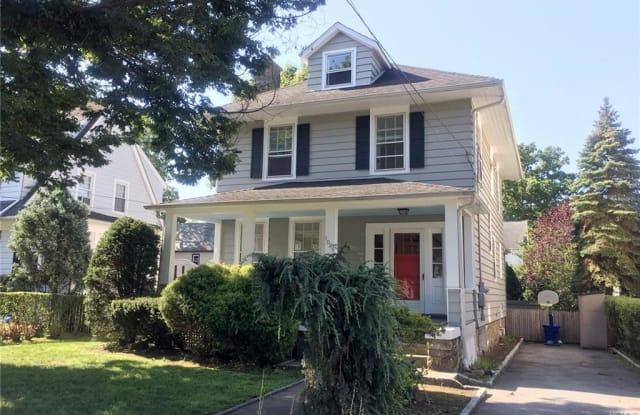 1069 Washington Avenue - 1069 Washington Avenue, Pelham Manor, NY 10803