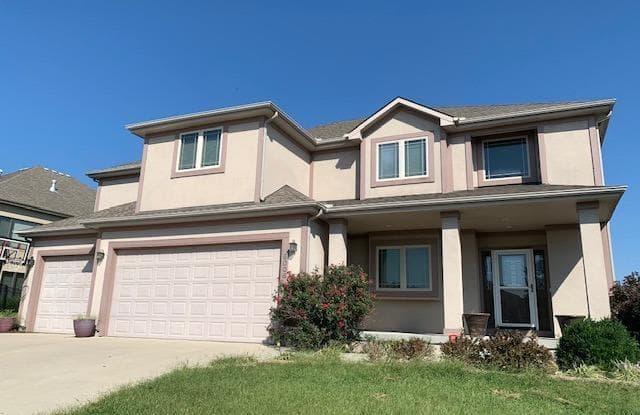 5008 South Park Ridge Drive - 5008 Park Ridge Drive, Independence, MO 64015