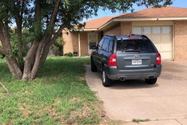 7818 Ave U - 7818 Avenue U, Lubbock, TX 79423