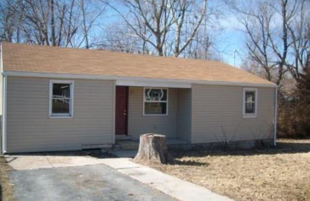 877 South Homewood Avenue - 877 South Homewood Avenue, Springfield, MO 65802