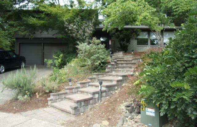 924 NW Meadow Ridge Pl. - 924 Northwest Meadow Ridge Place, Corvallis, OR 97330