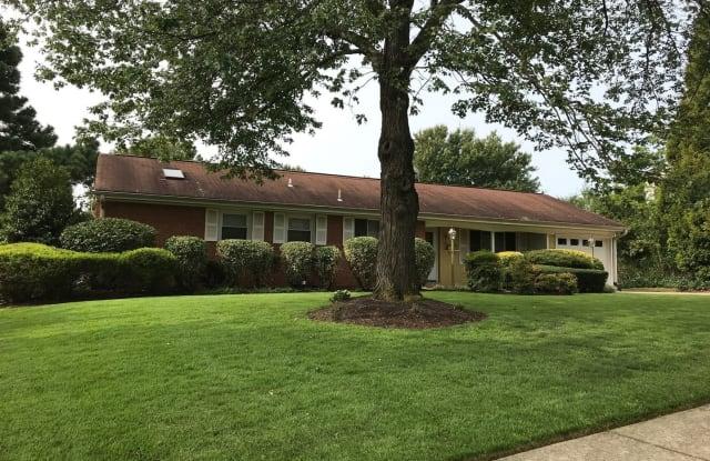 8103 Ainsworth Ave - 8103 Ainsworth Avenue, West Springfield, VA 22152