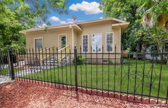 126 LUCAS ST - 126 Lucas Street, San Antonio, TX 78209