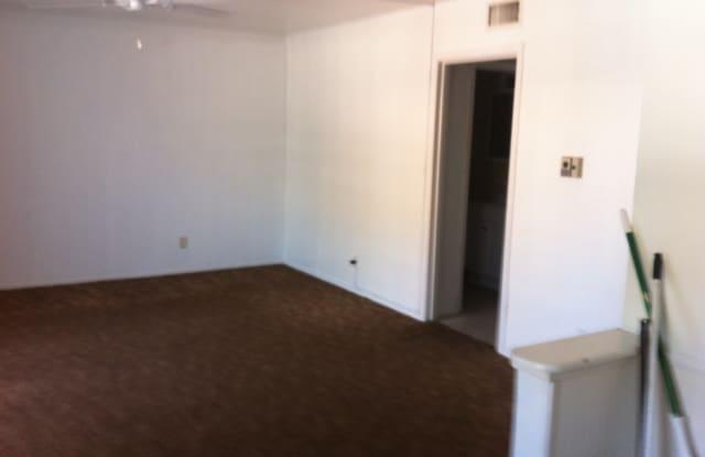 Chesterfield House Apartments - 906 Grant St, Wichita Falls, TX 76309