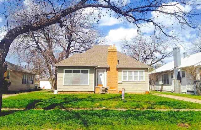 2004 MCGREGOR AVENUE - 2004 McGregor Ave, Wichita Falls, TX 76301
