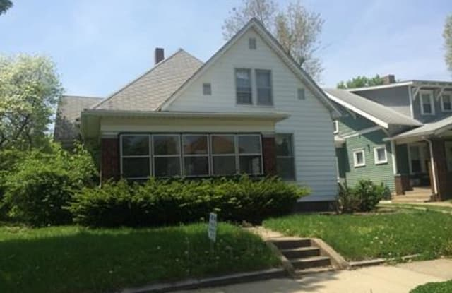 2022 N 11th Street - 2022 North 11th Street, Terre Haute, IN 47804