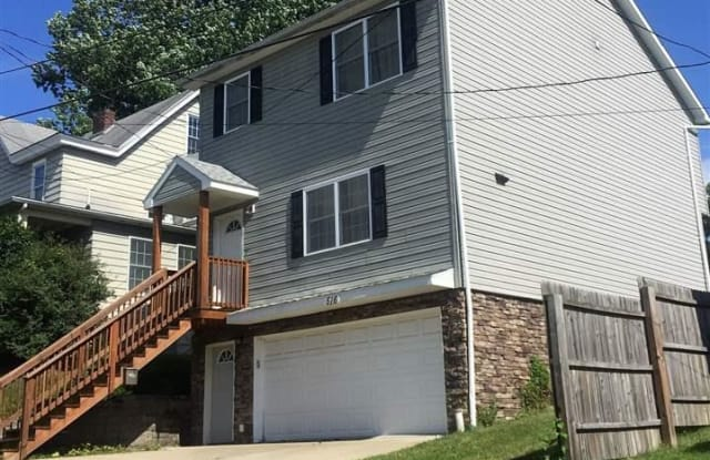 516 Center Street - 516 Center Street, Morgantown, WV 26505