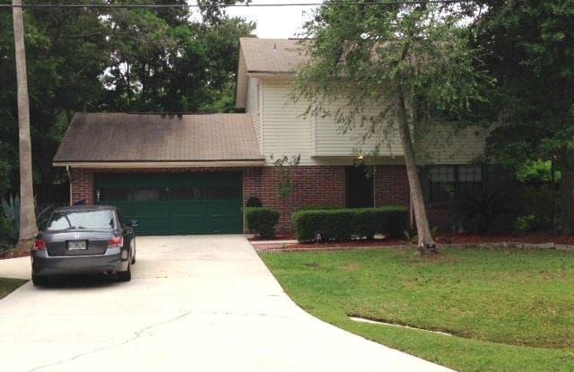 3152 LAKESIDE VILLA RD - 3152 Lakeside Villa Road, Lakeside, FL 32073