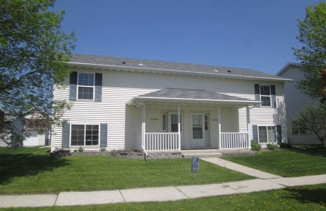 5392 6th Ave N - 5392 6th Avenue North, Grand Forks, ND 58203