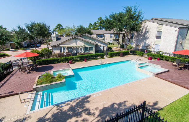 Meadowbrook - 515 S Bender Ave, Humble, TX 77338