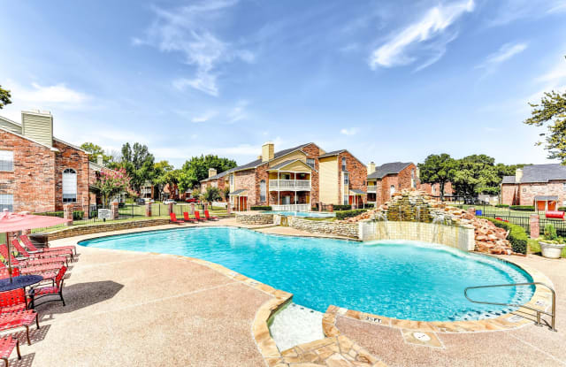 Tall Timbers Apartments - 501 Sycamore Ln, Euless, TX 76039