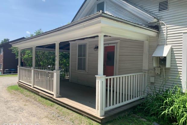 491 Maple St - 491 Maple Street, Stowe, VT 05672