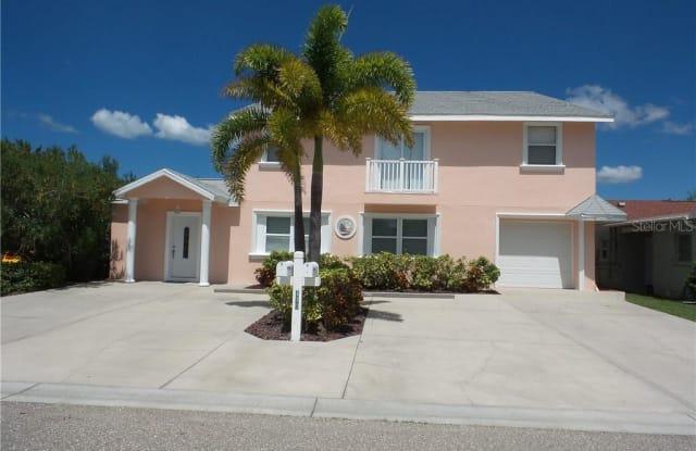 170 174TH AVENUE E - 170 174th Avenue, Redington Shores, FL 33708