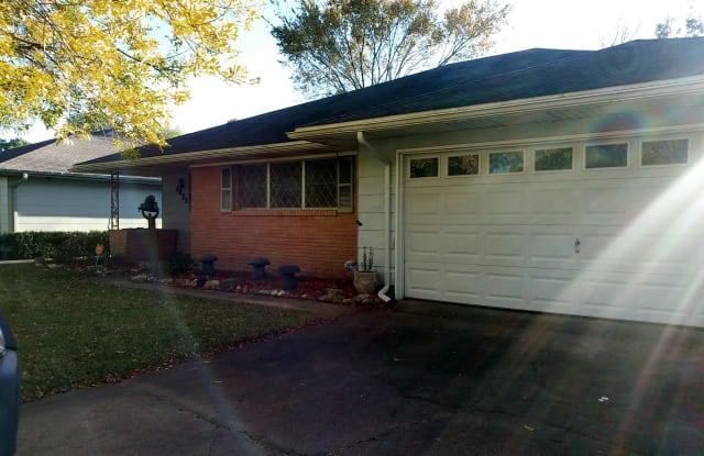 4821 Sue Ave - 4821 Sue Ave, Groves, TX 77619
