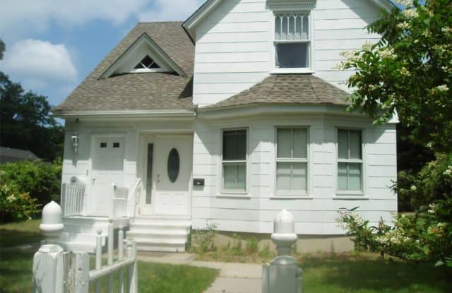 205 Meeting House Ln - 205 Meeting House Lane, Southampton, NY 11968