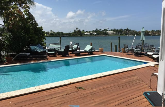 1531 Stillwater Dr - 1531 Stillwater Drive, Miami Beach, FL 33141