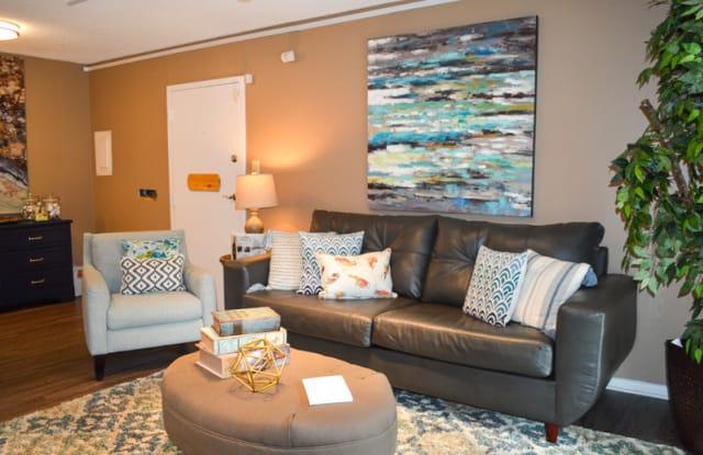 Crater Square Apartments - 1025 S Crater Rd, Petersburg, VA 23805