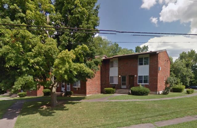 Rose Gardens - 100 Rose Circle, Middletown, CT 06457