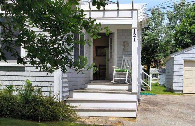 121 Prospect Avenue - 121 Prospect Avenue, Newport East, RI 02842