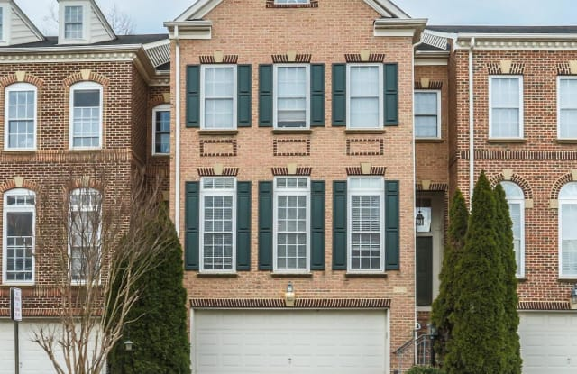 4072 WALNUT COVE CIRCLE - 4072 Walnut Cove Circle, Fair Oaks, VA 22033