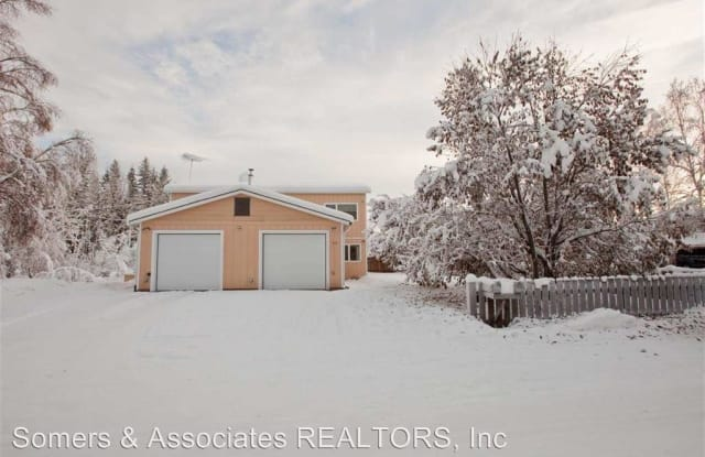 99 Hamilton Ave. - 99 Hamilton Avenue, Fairbanks, AK 99701