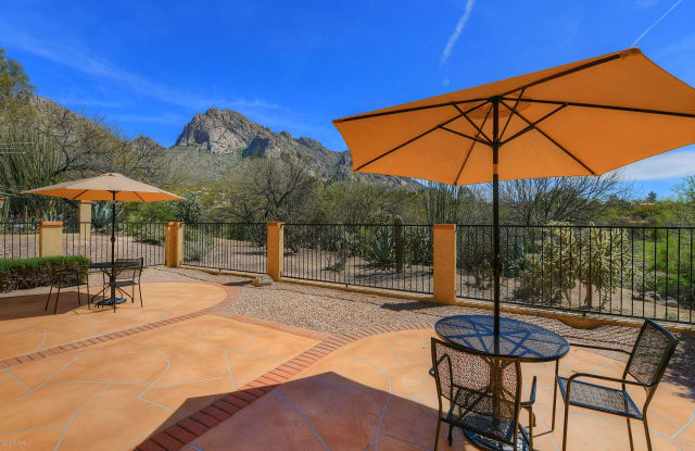 960 Camino Corrida - 960 Camino Corrida, Oro Valley, AZ 85737