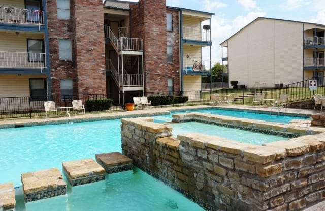 Easton Parc - 1600 La Salle Drive, Sherman, TX 75090