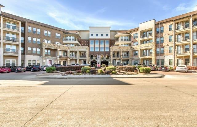 Landmark on Lovers - 5201 Amesbury Dr, Dallas, TX 75206