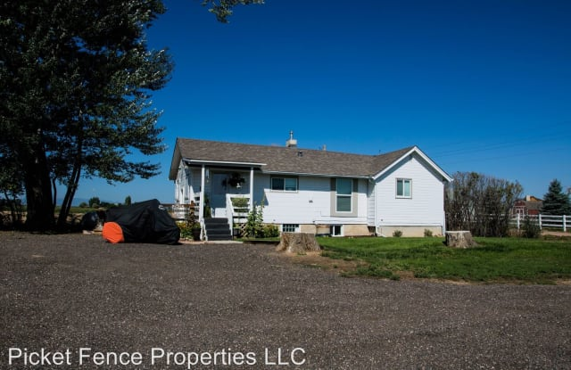 10456 County Road 76 1/2 - 10456 County Road 76 1/2, Weld County, CO 80550