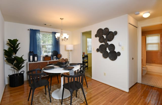 Colony Hill Apartments And Townhomes - 24 Colony Hill Ct, Arbutus, MD 21227