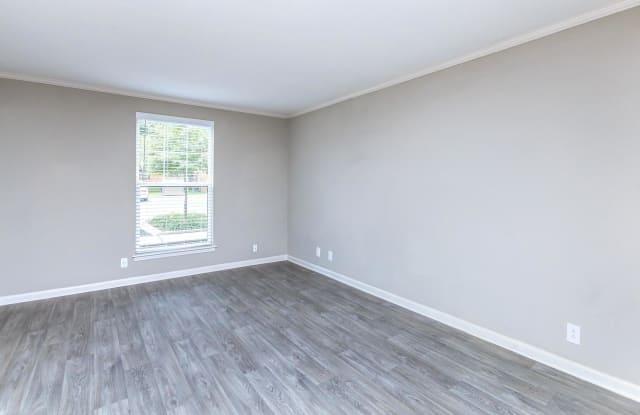 Colony House - 1510 Huntington Dr, Murfreesboro, TN 37130