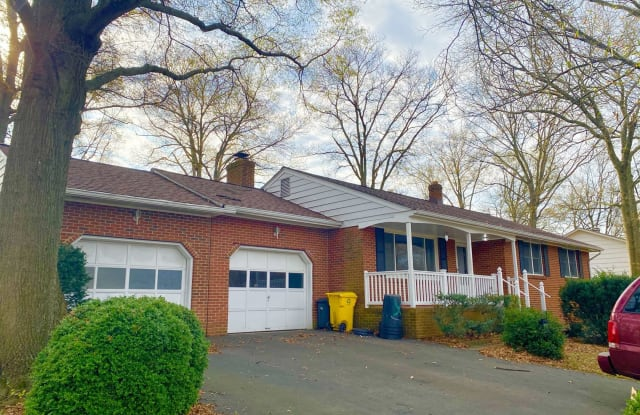 7705 Pear Ave - 7705 Pear Avenue, Jessup, MD 20794