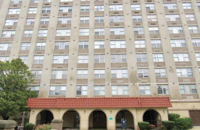 4300 W Ford City Dr Apt 203 - 4300 West Ford City Drive, Chicago, IL 60652