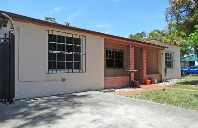 541 NW 143rd St - 541 Northwest 143rd Street, Golden Glades, FL 33168
