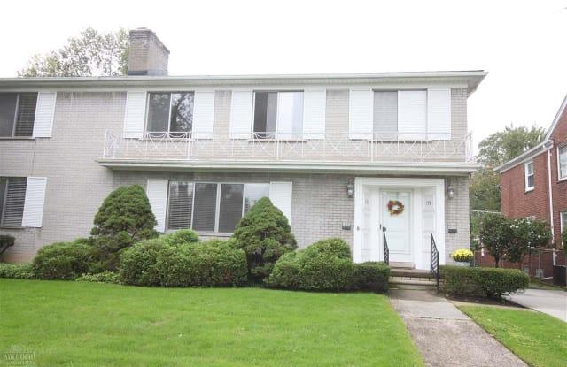 781 Harcourt - 781 Harcourt Rd, Grosse Pointe Park, MI 48230