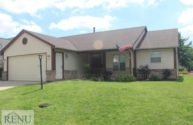 2905 Cross Creek Circle - 2905 Cross Creek Circle, Westfield, IN 46074