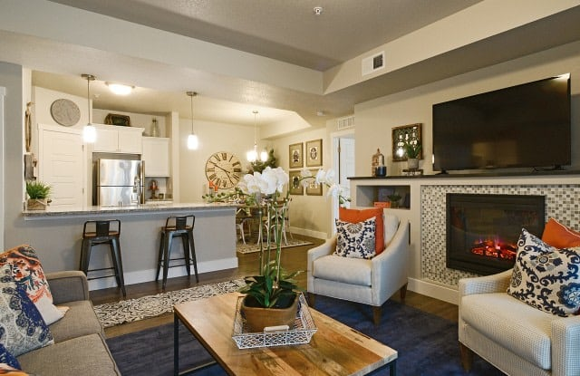 Steeplechase Apartments - 311 NW 96th St, Kansas City, MO 64155
