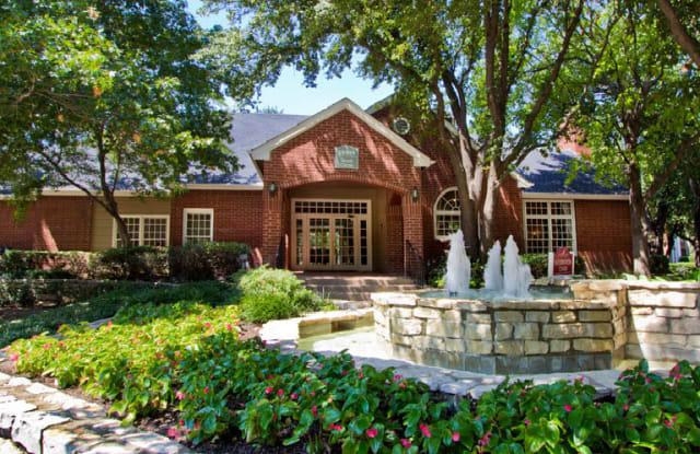 Preston Village Apartments - 18909 Lloyd Cir, Dallas, TX 75252