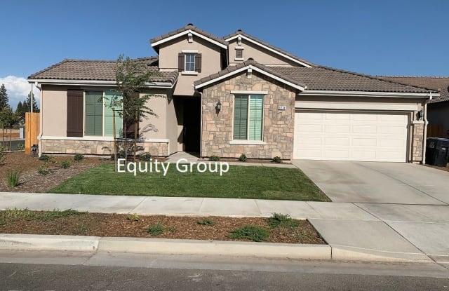 3234 South Meadowbrook Street - 3234 S Meadowbrook St, Visalia, CA 93292