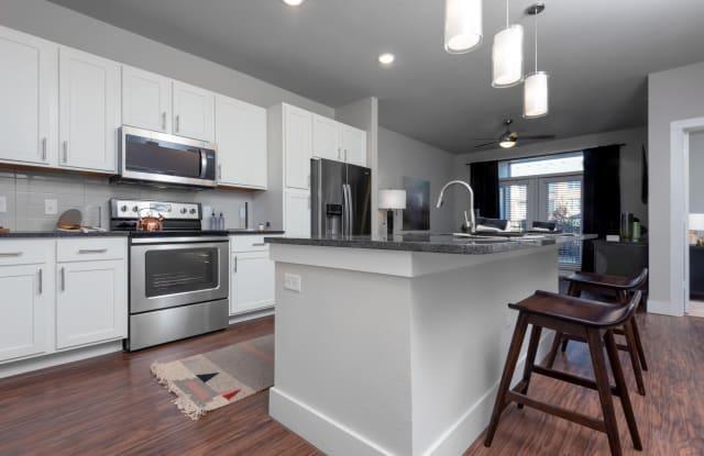 Lenox Castle Hills - 1835 Parker Rd, Carrollton, TX 75010