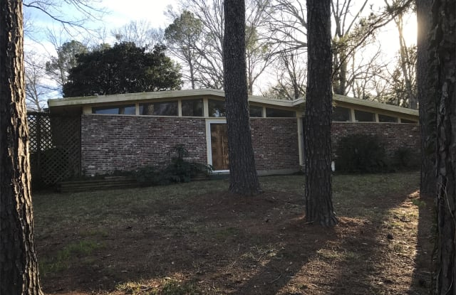 1541 Winchester St. - 1541 Winchester Street, Jackson, MS 39211