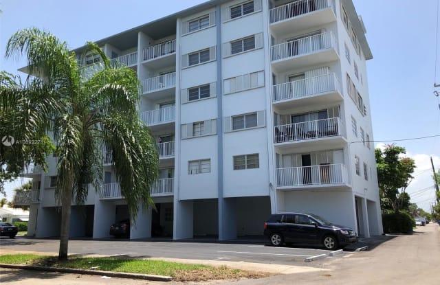1701 WASHINGTON ST - 1701 Washington Street, Hollywood, FL 33020