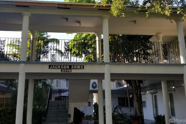 3515 Van Buren St - 3515 Van Buren Street, Hollywood, FL 33021