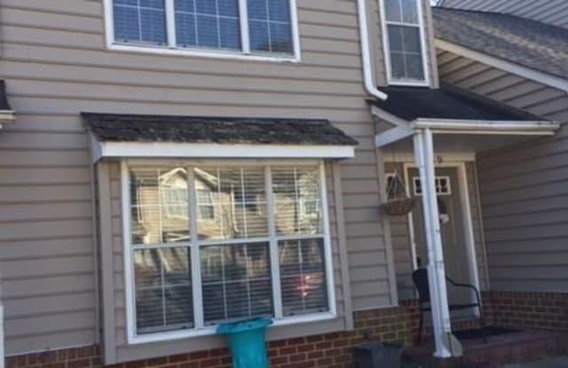 19 Madrone Place - 19 Madrone Place, Hampton, VA 23666