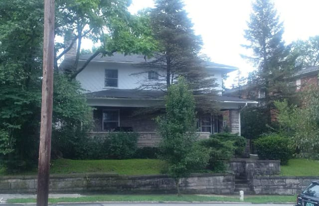 324 E 2nd St - 324 East 2nd Street, Bloomington, IN 47401
