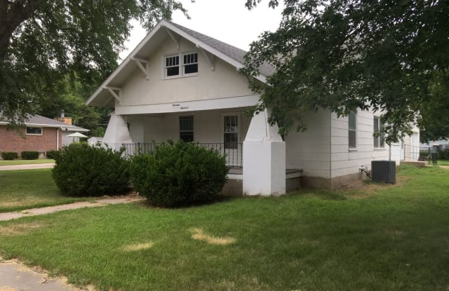 1300 N. Cedar - 1300 North Cedar Avenue, Hastings, NE 68901