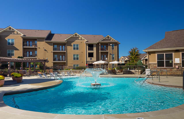 Fountains at Meadow Wood - 950 Big Sky Dr, Clarksville, TN 37043