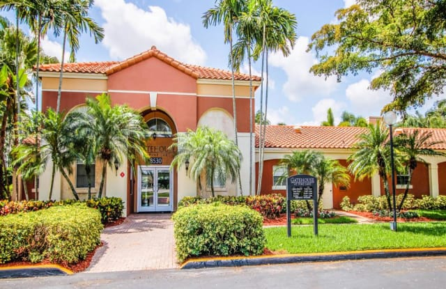 Gatehouse at Pinelake - 8530 SW 1st St, Pembroke Pines, FL 33025