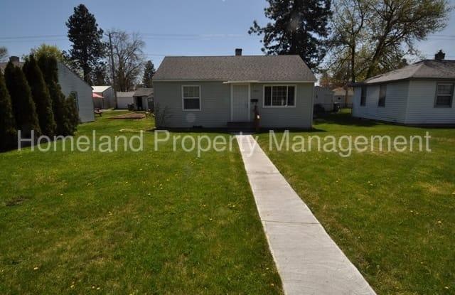 908 East Nebraska Avenue Spokane Wa Apartments For Rent